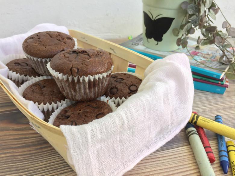 Muffins integrales de avena y chocolate (perfectos para el lunch de losniños)