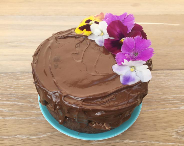Naked cake de tostachocolate (pastel de chocolate y pan tostado) ¡2 años delblog!