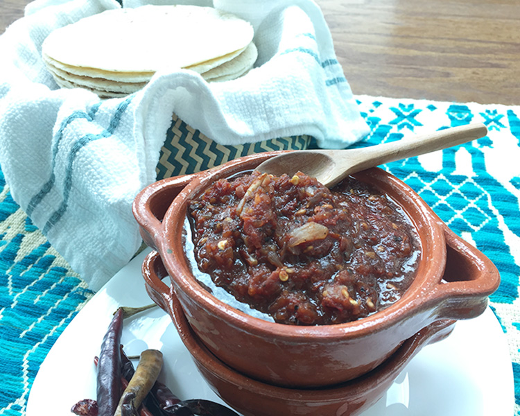 Salsa roja de chilessecos