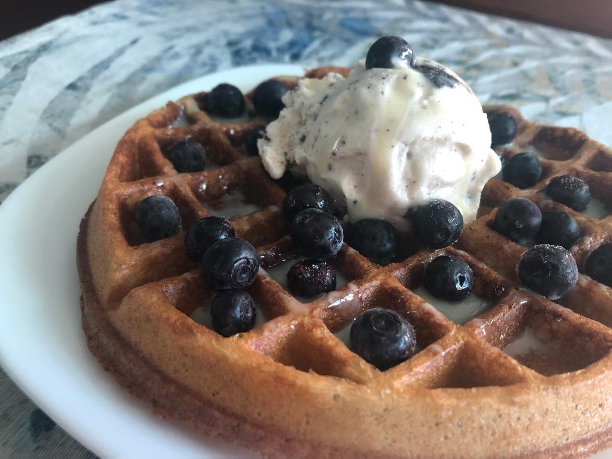 Waffles de requesón y frutos delbosque